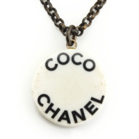 07P COCO CHANEL プリント 丸形 ネックレス ホワイト