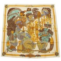 カレ90 シルクスカーフ ARMETS en PANACHE 飾りの兜 ベージュ