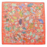 カレ90 Fleurs et papillons de Tissus 花咲く織物 ピンク