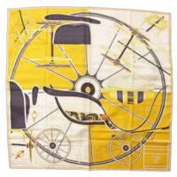 カレ90 シルクスカーフ PROJET de VOITURE PETIT-DUC BATEAU イエロー